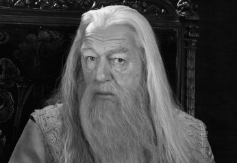Albus_Dumbledore_(HBP_promo)_1